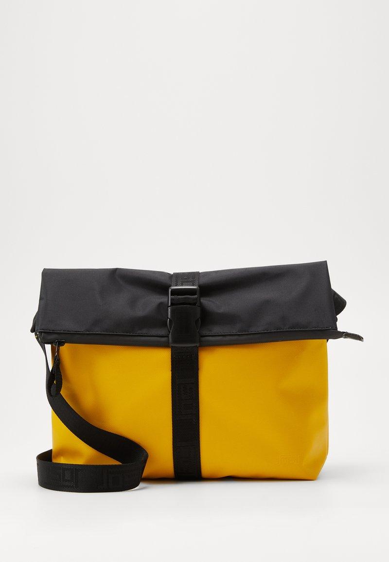Jost - TOLJA SHOULDER BAG - Axelremsväska - yellow