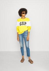 GAP - CIGARETTE KADUNA - Jeans straight leg - dark-blue denim - 1