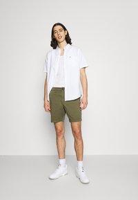 Hollister Co. - Shorts - olive - 1