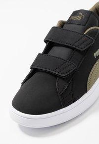 Puma - SMASH BUCK - Sneakers basse - black/burnt olive/white - 2