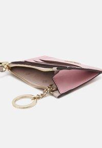 kate spade new york - CARD CASE WRISTLET - Peněženka - tutu pink/crisp linen - 2