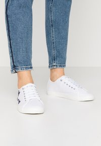 TOM TAILOR - Trainers - white/navy - 0