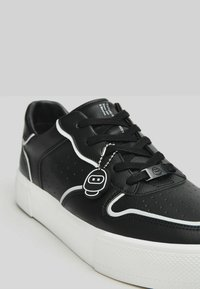Bershka - Trainers - black - 4