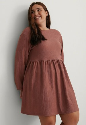 Day dress - dusty dark pink