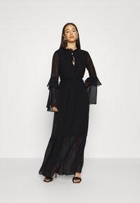 Missguided - TIE NECK TIERED FLOOR SWEEPER DRESS - Robe longue - black - 1