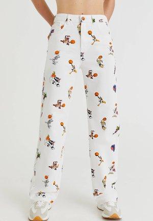 SPACE JAM MIT ALLOVER-PRINT - Straight leg jeans - white