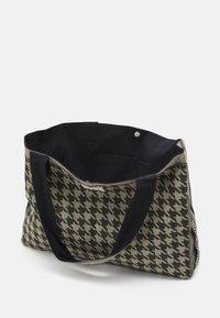 CECILIE copenhagen - BAG LARGE DOGTOOTH - Shopping bag - black/cream - 2