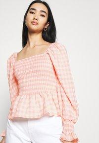 Missguided - CHECK SHIRRED DETAIL PEPLUM - Camiseta de manga larga - pink - 4