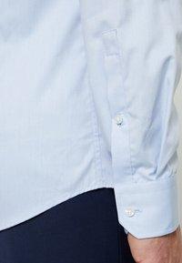 Strellson - SANTOS SLIM FIT - Formální košile - hell blau - 5
