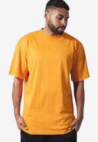 Urban Classics - Basic T-shirt - orange - 0
