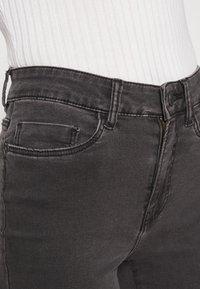 Noisy May - NMSALLIE  - Široké džíny - dark grey denim - 4