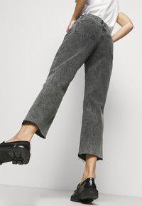Boyish - TOMMY - Jeans a sigaretta - toxic avenger - 4