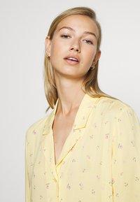 Monki - MATTIS DRESS - Skjortekjole - yellow - 3