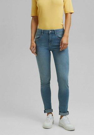 MIT WASHED-EFFEKTEN - Slim fit jeans - blue light washed