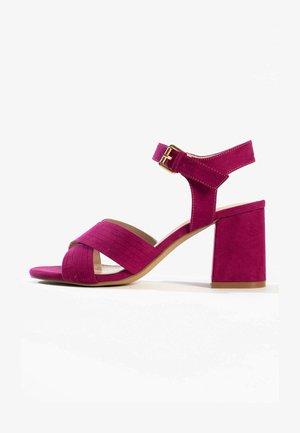Højhælede sandaletter / Højhælede sandaler - purple