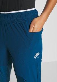 Nike Performance - AIR PANT - Teplákové kalhoty - valerian blue - 3