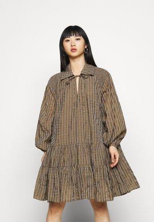 LADIES DRESS GINGHAM - Vapaa-ajan mekko - olive metallic