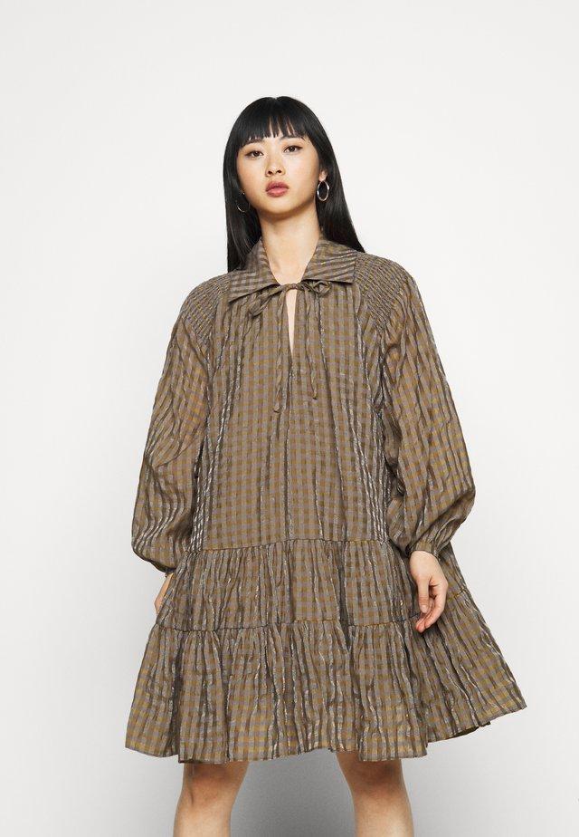 LADIES DRESS GINGHAM - Robe d'été - olive metallic