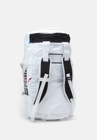 The North Face - BASE CAMP DUFFEL IC - Sports bag - white/black - 6