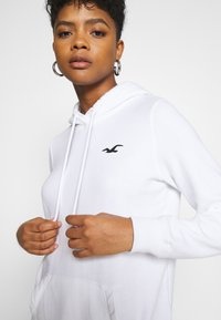 Hollister Co. - PRINT LOGO  - Hoodie - white - 4