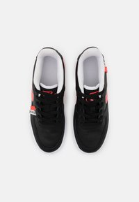 Nike Sportswear - AIR FORCE 1 LV8 UNISEX - Trainers - black/crimson tint/flash crimson/white - 3