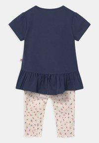 Staccato - SET - Print T-shirt - dark blue/mottled beige - 1