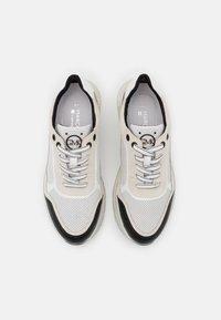 Marco Tozzi - BY GUIDO MARIA KRETSCHMER - Sneakersy niskie - white/black - 5