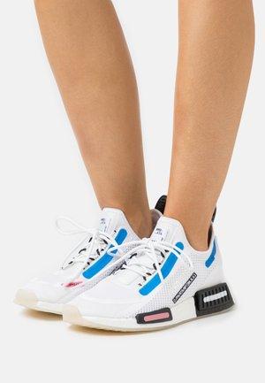 NMD_R1 SPEEDLINES BOOST SHOES - Sneakers basse - footwear white/core black