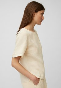 Marc O'Polo - BLOUSE SHORT SLEEVE CHEST POCKET STYLE - Blouse - summer taupe - 2