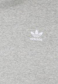 adidas Originals - 3-STRIPES HOODY ORIGINALS ADICOLOR SWEATSHIRT HOODIE - Felpa con cappuccio - medium grey heather - 5