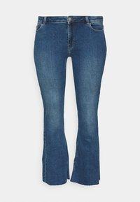 Pieces Curve - PCKAMELIA  - Flared Jeans - medium blue denim - 4