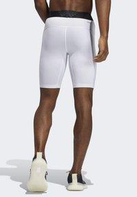 adidas Performance - TURF TIGHT PRIMEGREEN TECHFIT WORKOUT COMPRESSION SHORT LEGGINGS - Sports shorts - white - 1