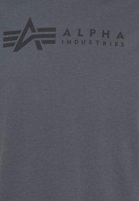 Alpha Industries - ALPHA LABEL 2 PACK - Print T-shirt - greyblack/black - 7