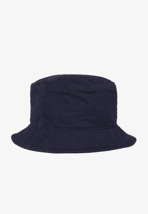 Hat - peacoat