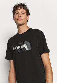 The North Face - EASY TEE - Printtipaita - black - 5
