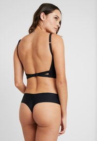 Wonderbra - ULTIMATE BACKLESS - T-paitaliivit - schwarz - 2