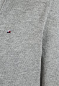Tommy Hilfiger - BOYS BASIC CARDIGAN - Kardigan - grey heather - 2