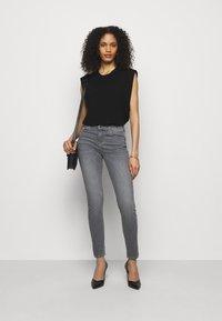 Emporio Armani - Jeans Skinny Fit - grigio - 1