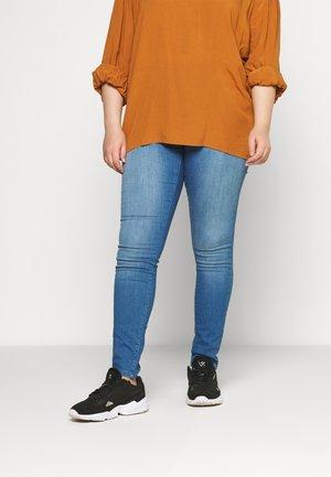 JRFOUR AFIFA  - Slim fit -farkut - medium blue denim