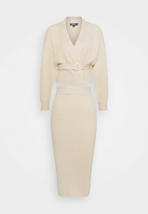 DOUBLE BREASTED CARDIGAN AND MIDI SKIRT SET - Jersey de punto - beige
