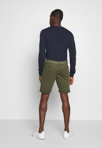 INDICODE JEANS - CONER - Shorts - army - 2