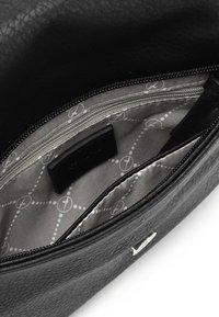 Tamaris - ALESSIA - Across body bag - black 100 - 3