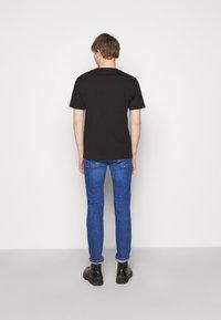 HUGO - DURNED - Basic T-shirt - black - 2