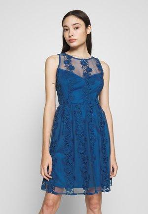 Koktejlové šaty/ šaty na párty - cerulean blue