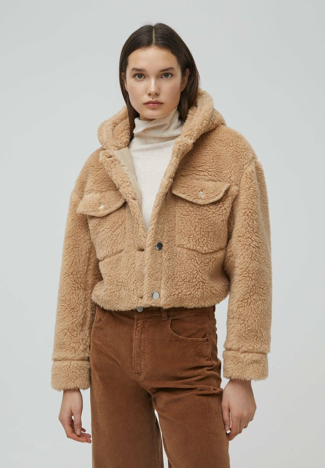 MIT KAPUZE - Kurtka zimowa - brown