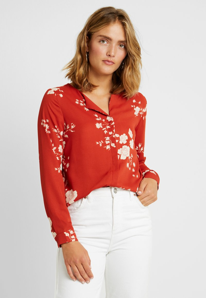 Vila - VILUCY FAV LUX - Blouse - ketchup/androsa