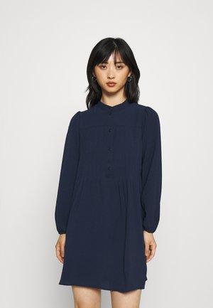 VMSAGA PLEAT SHORT DRESS - Shirt dress - navy blazer