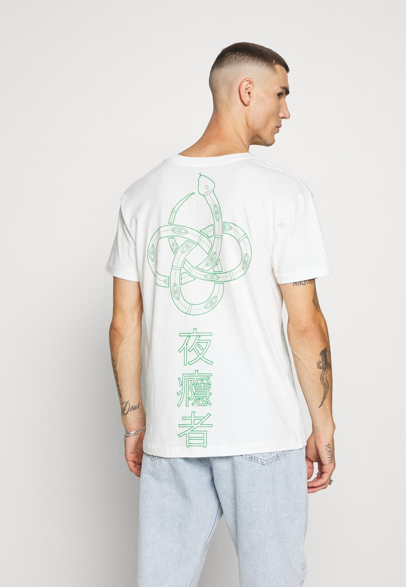Night Addict - SNAKE - T-shirt con stampa - off white/kelly green