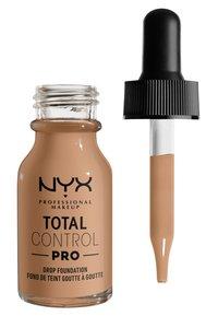 Nyx Professional Makeup - TOTAL CONTROL PRO DROP FOUNDATION - Foundation - classic tan - 1