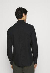 Ben Sherman - SIGNATURE OXFORD  - Overhemd - barely black - 2